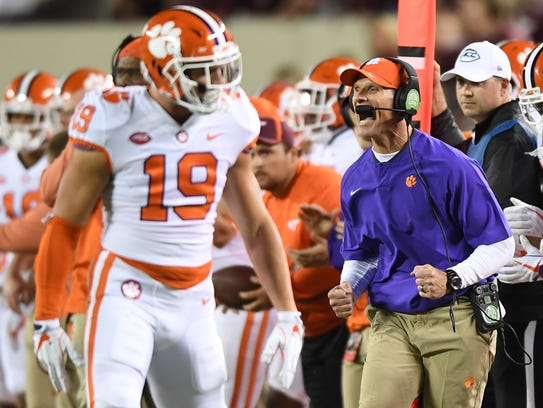 Clemson defensive coordinator Brent Venables during