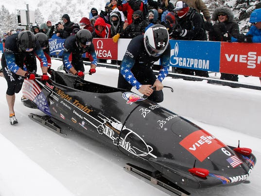 2013-12-8-steve-holcomb-bobsled