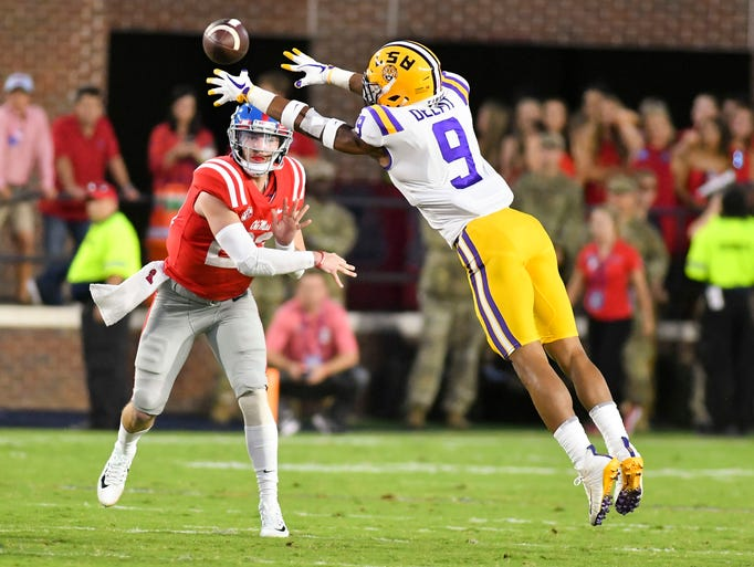 LSU Tigers safety Grant Delpit (9) defends a pass by