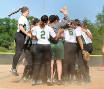 Wayne State's softball team is on the move — at le...