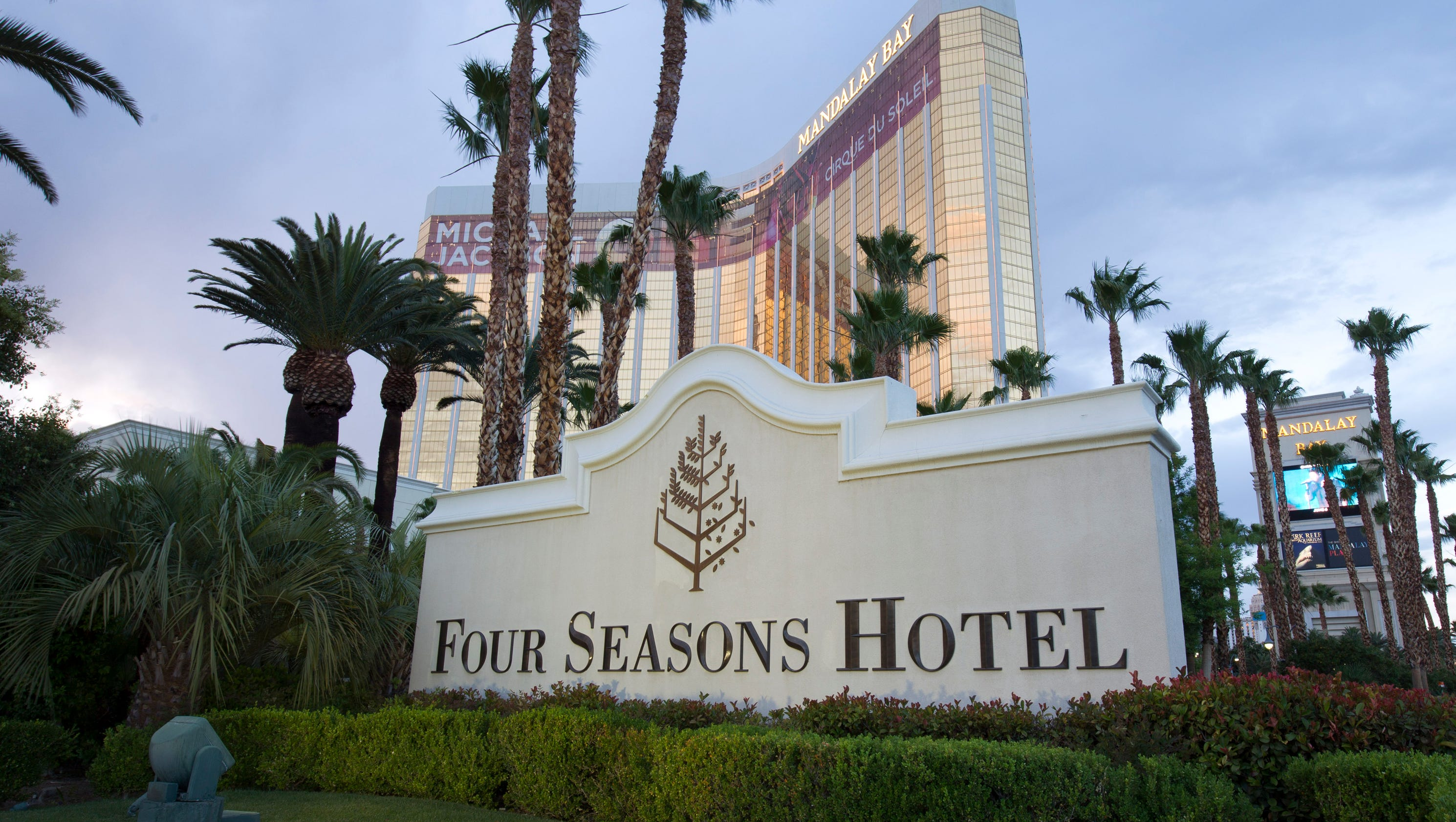 Four seasons hotel las vegas for Fourseason hotel