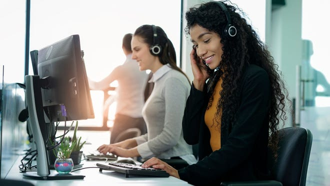 Do not Google search a company's tech support line. Scammers are could be waiting for you to fall into their trap. Instead, go to the company's official web site for the number.