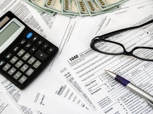 tax-gettyimages-495021170_large.jpg