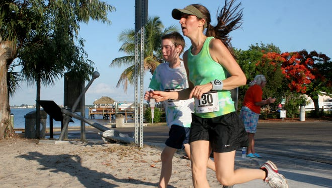 More than 20 police officers and 300 runners will compete in the annual Cape Cops 5K at the Cape Coral Yacht Club that raises money to benefit families of fallen or injured police officers.