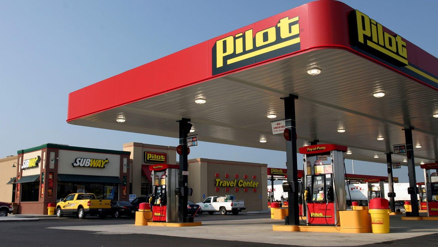 Warren Buffett's Berkshire Hathaway acquiring majority stake in Pilot Flying J truck stops