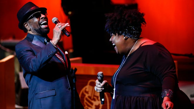 Stax Records star William Bell (left) performs with Tameka ÒBig BabyÓ Goodman, during Williams induction into the Memphis Music Hall of Fame Thursday evening at the Cannon Center.