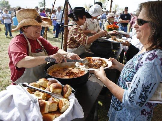 Festival anual de las competencias de comida de las Carretas en Chandler.