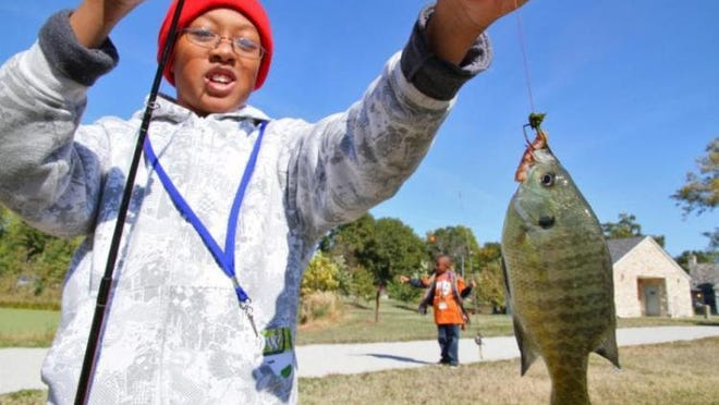 MDC reminds anglers in Missouri that fishing permits are required (unless exempt) -- except during MDC's Free Fishing Days June 6 and 7. During Free Fishing Days, anyone may fish in the Show-Me State without having to buy a fishing permit, trout permit, or trout park daily tag.