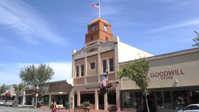 The Santa Paula City Council meets on Monday.
