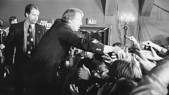 Jimmy Carter reaches out to supporters in Manchester,