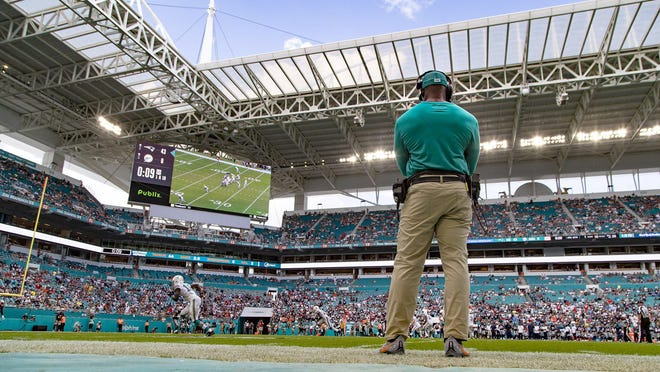 Miami Dolphins head coach Brian Flores watches the final seconds tick off the clock in the 43-0 loss to New England Patriots in Miami Gardens, September 15, 2019.