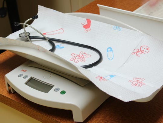 A scale used to weigh newborn children at Minden Pediatrics.