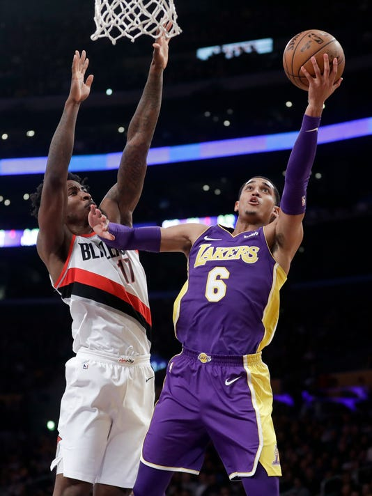 f93f06160a5 Harkless leads Trail Blazers to 95-92 win over Lakers