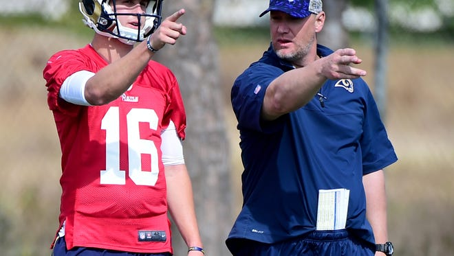 Chris Weinke, right, talks to Rams quarterback Jared Goff during a 2016 practice. Tennessee coach Jeremy Pruitt hired Weinke last month to coach the Vols' running backs. Weinke has never coached the position before.