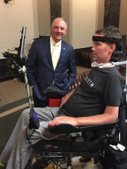 Former New Orleans Saints star Steve Gleason demonstrates