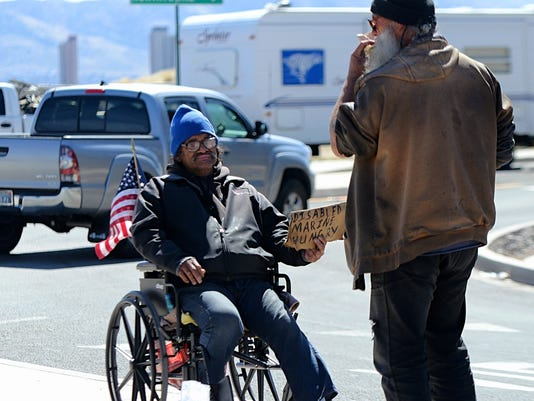 Reno bans panhandling on medians