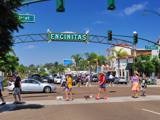 Encinitas Street sign.