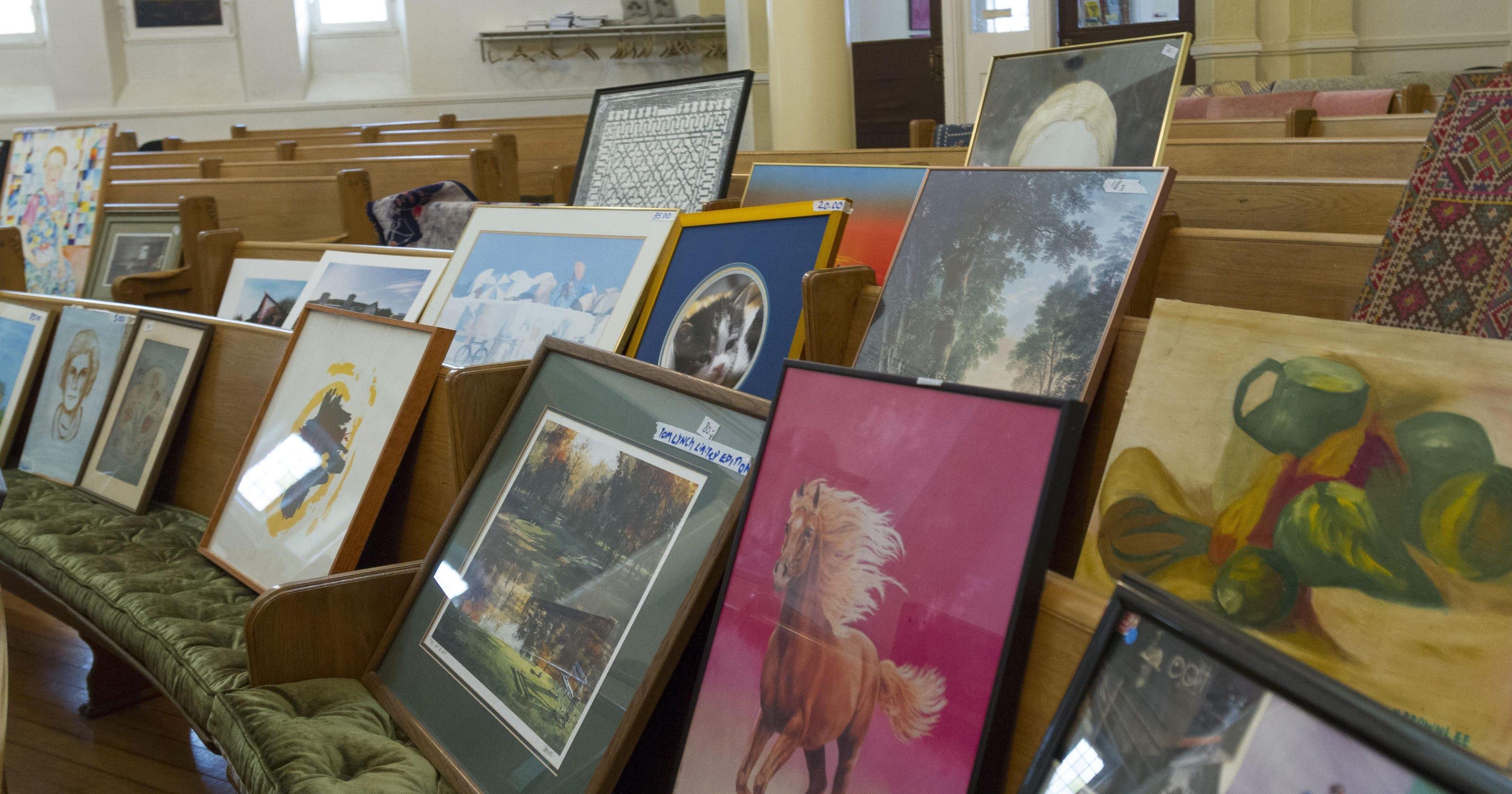 Unitarian Church hosts annual rummage sale