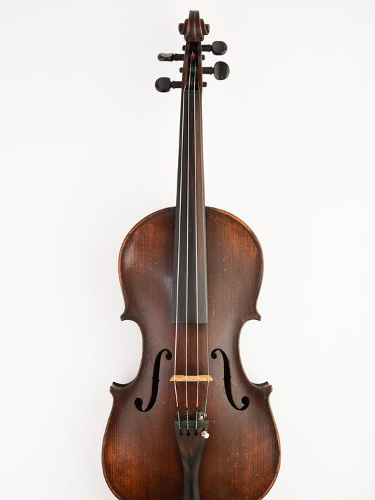 636294398476544449-8-19th-Century-Violin-With-Fake-Strad-Label.jpg
