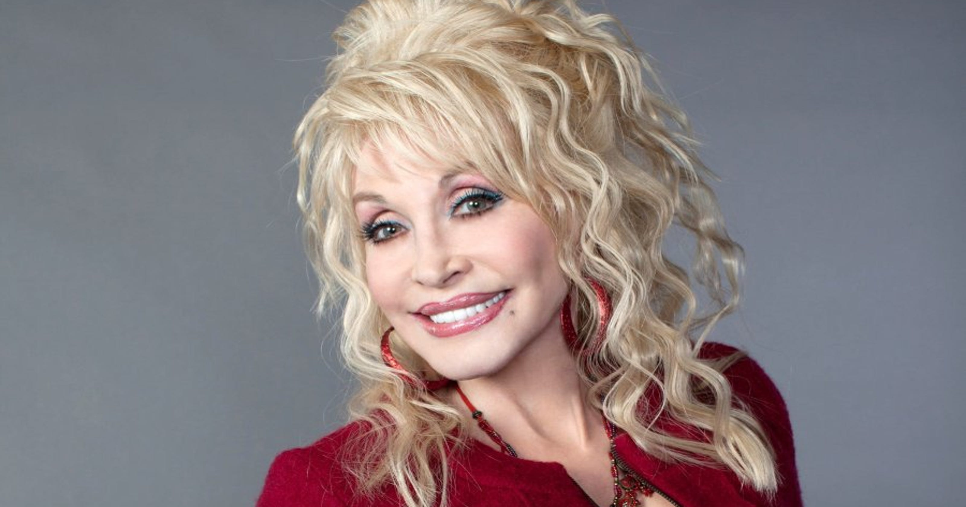 Dolly Partons Christmas Of Many Colors Circle Of Love.Dolly Parton To Play Town Trollop In Christmas Of Many