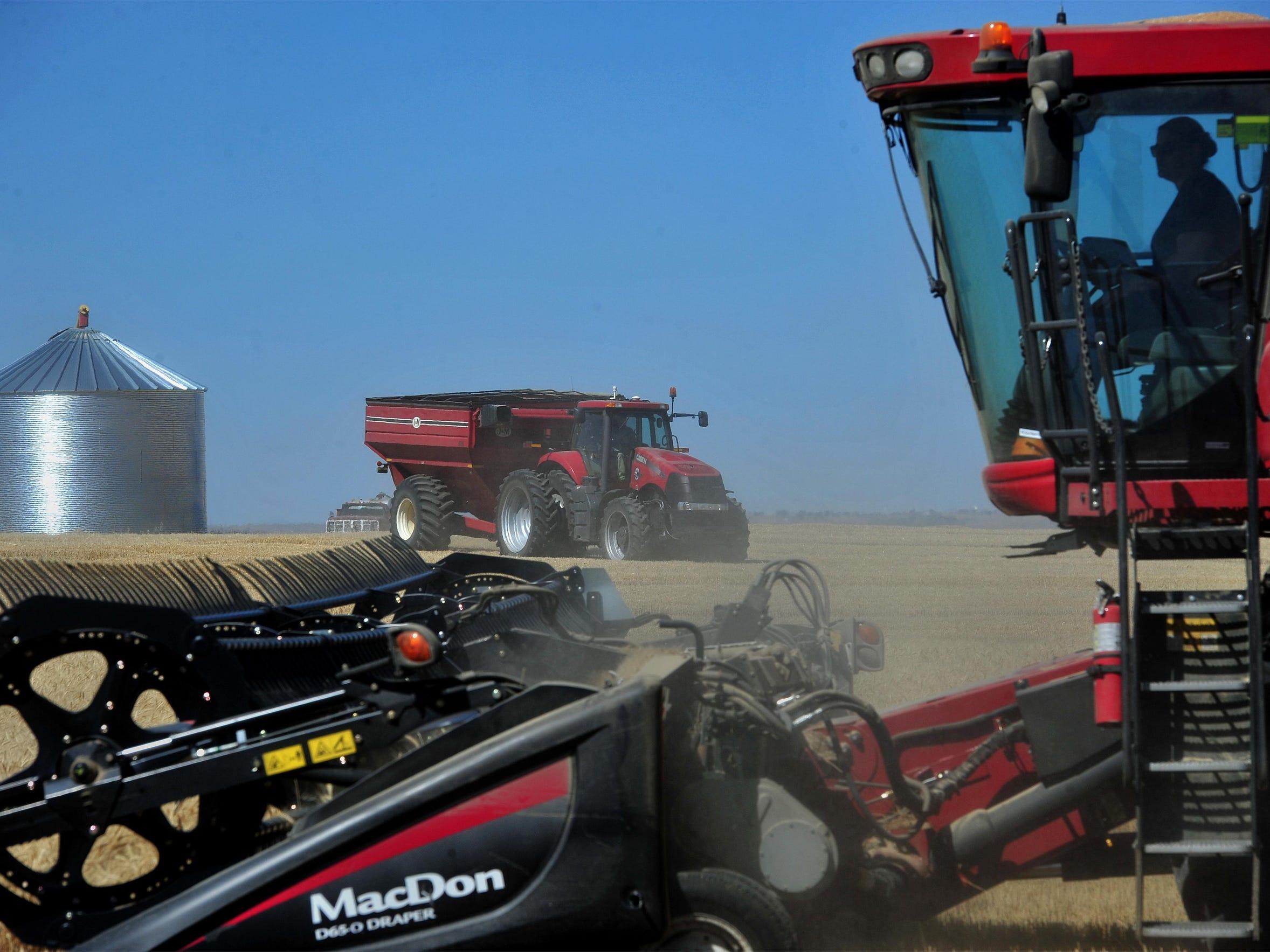-08042016_wheat harvest-f.jpg_20160804.jpg