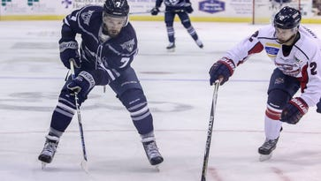 Ice Flyers have six players score goals, extend win streak to five games