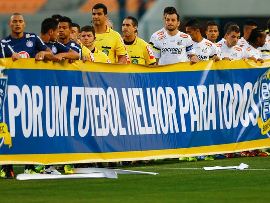 112913-brazil-soccer-protest-file