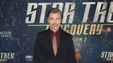 """Anson Mount and his """"Star Trek Discovery"""" co-stars walk a New York red carpet for Season 2 premiere. (Jan. 18)"""