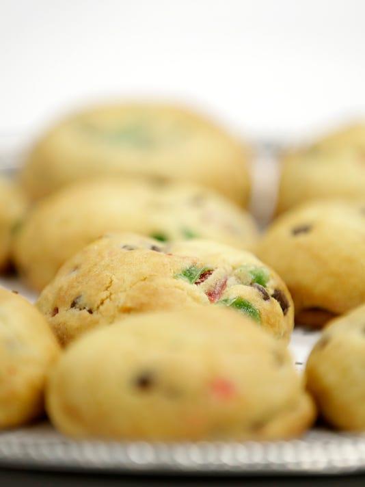 636479879180463491-Festive-Almond-Butter-Cookies-V.jpg