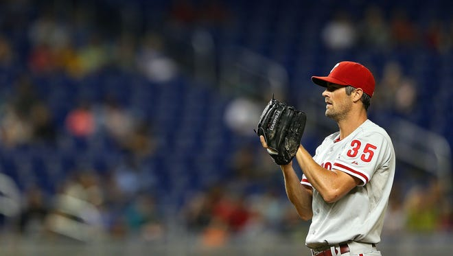 MIAMI, FL - SEPTEMBER 25:  Cole Hamels #35 of the Philadelphia Phillies pitches during a game against the Miami Marlins at Marlins Park on September 25, 2013 in Miami, Florida.  (Photo by Mike Ehrmann/Getty Images)