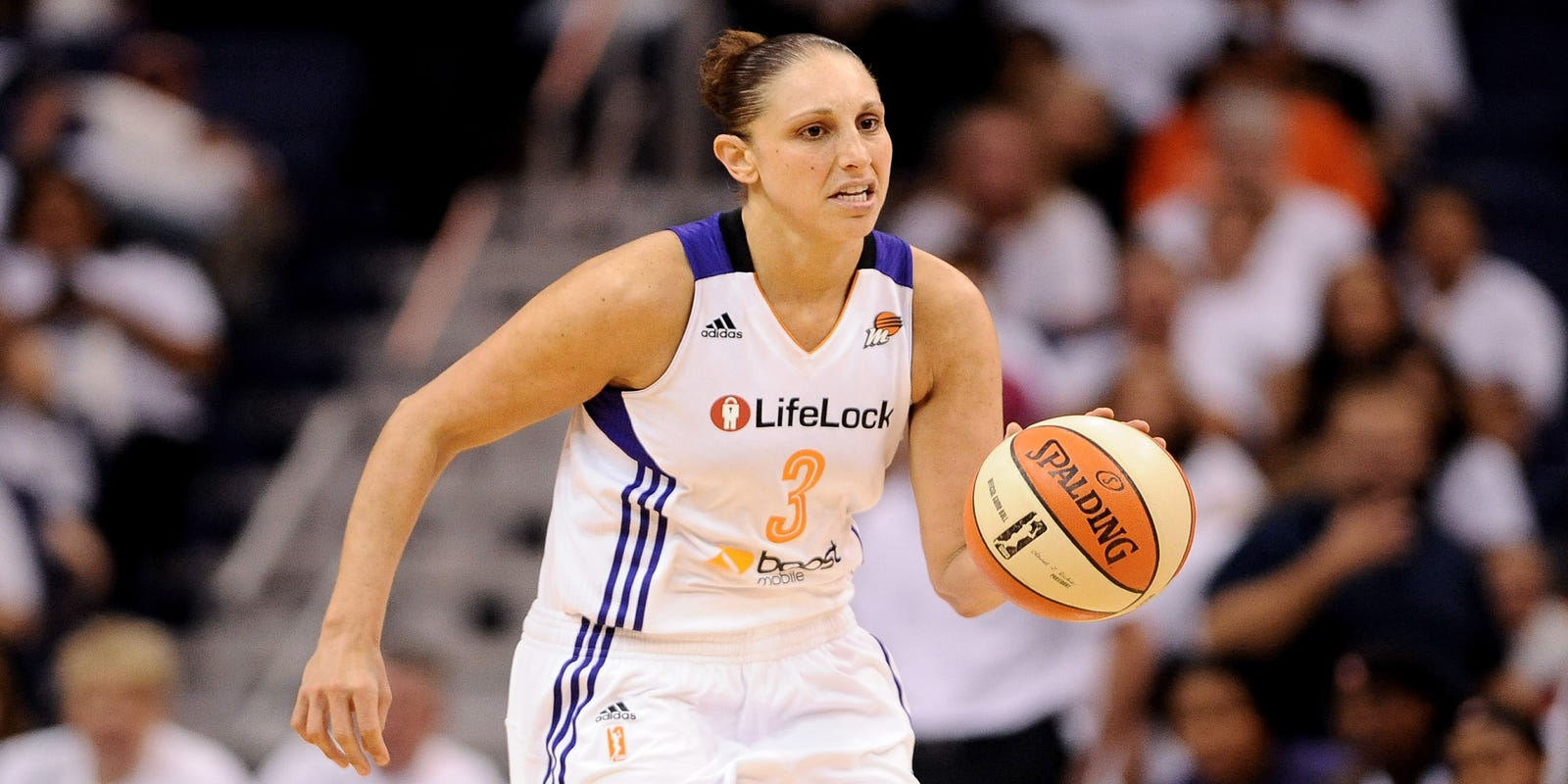 Who is the greatest women's basketball player ever?