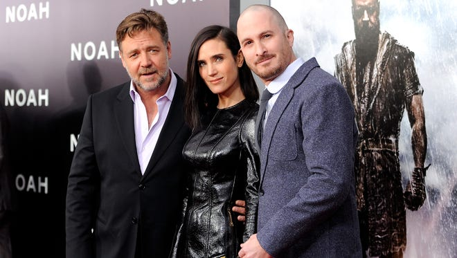 Russell Crowe, Jennifer Connelly and director Darren Aronofsky pose at the premiere of 'Noah' on March 26, 2014 in New York.