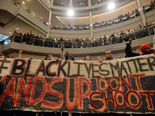 635629027163706262-AP-Mall-of-America-Protest-M
