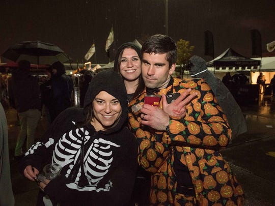 The 9th Annual Detroit Fall Beer Festival was held at Eastern Market in Detroit on October 27, 2017 and it featured over 700 craft beers from more than 80 Michigan breweries and food from Detroit area restaurants.