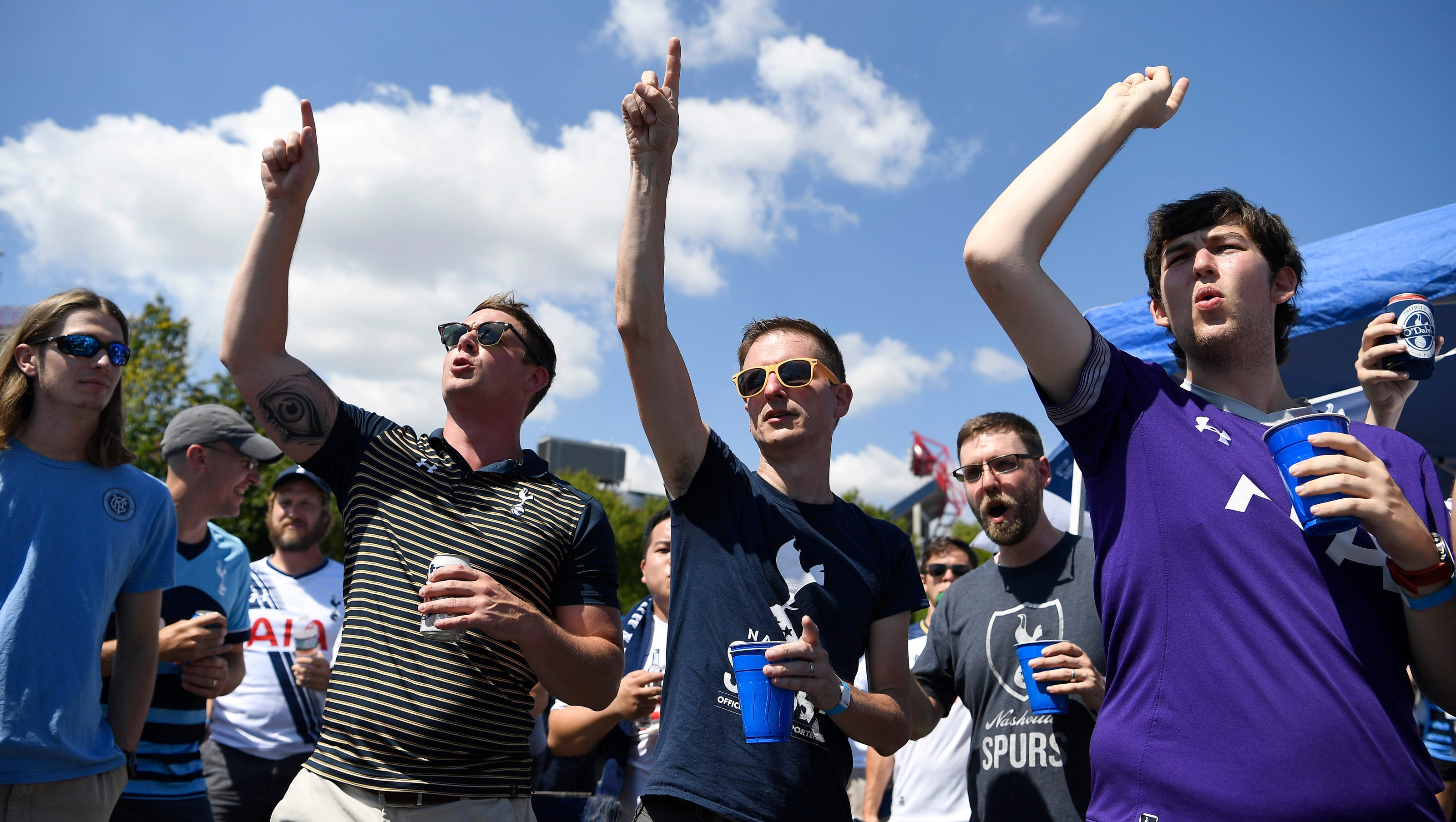 Tottenham, Manchester City fans create party atmosphere in downtown  Nashville