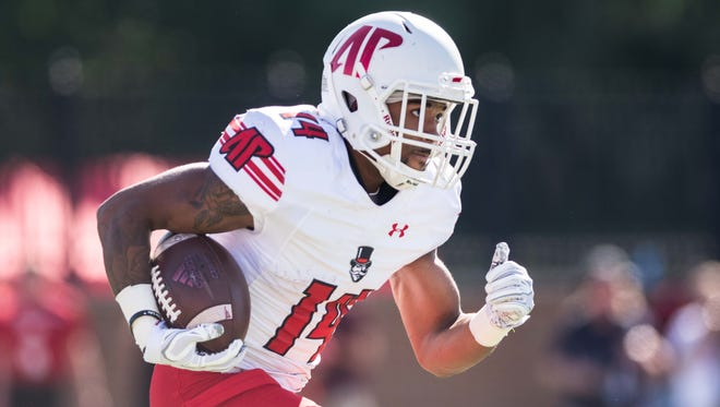 Austin Peay's Darryl Rollins-Davis runs back a kick return against Miami-Ohio.