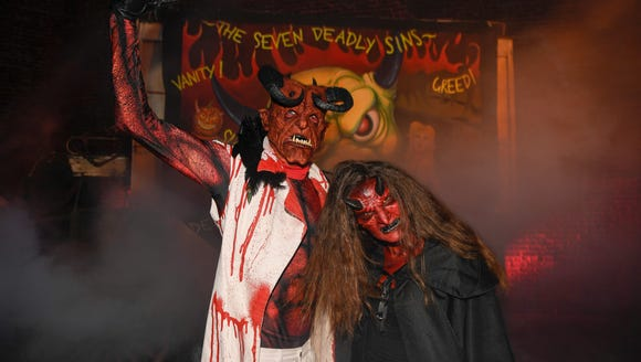 Scare actor Joey Wilson and USA TODAY's Carly Mallenbaum