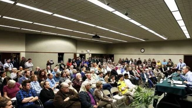 More than 170 people listened to Springfield mayoral candidates Kristi Fulnecky and Ken McClure on Thursday night.