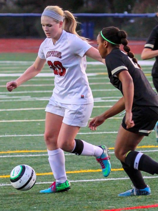 ELM 0829 Girls Soccer Advance MAin