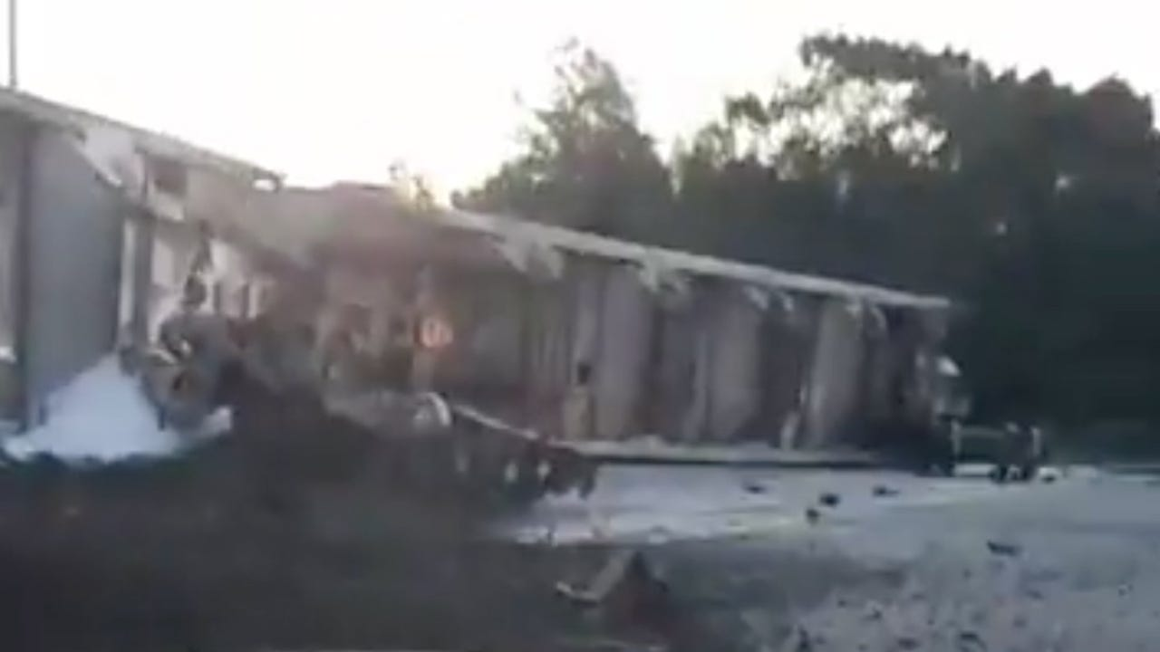 Watch it: Train derails in Quincy (2 of 2)