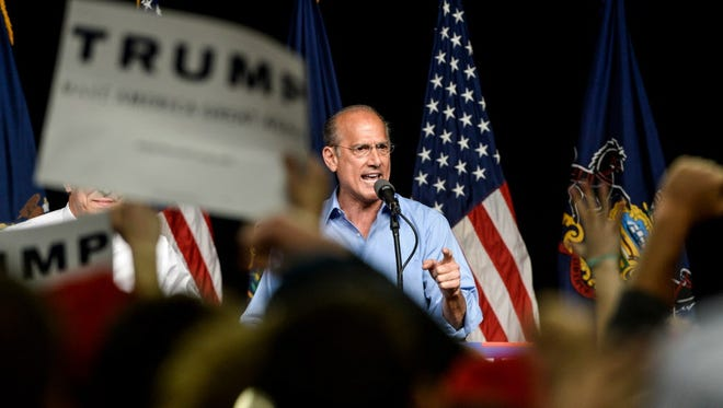 Tom Marino at a Trump rally in 2016.