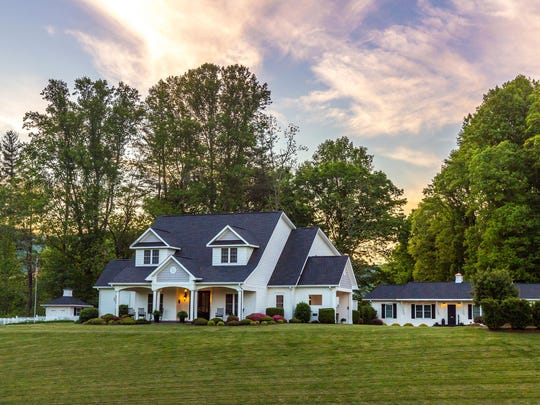 Tiffany Hill Bed & Breakfast is a great place to rest your weary head in Hendersonville, North Carolina.