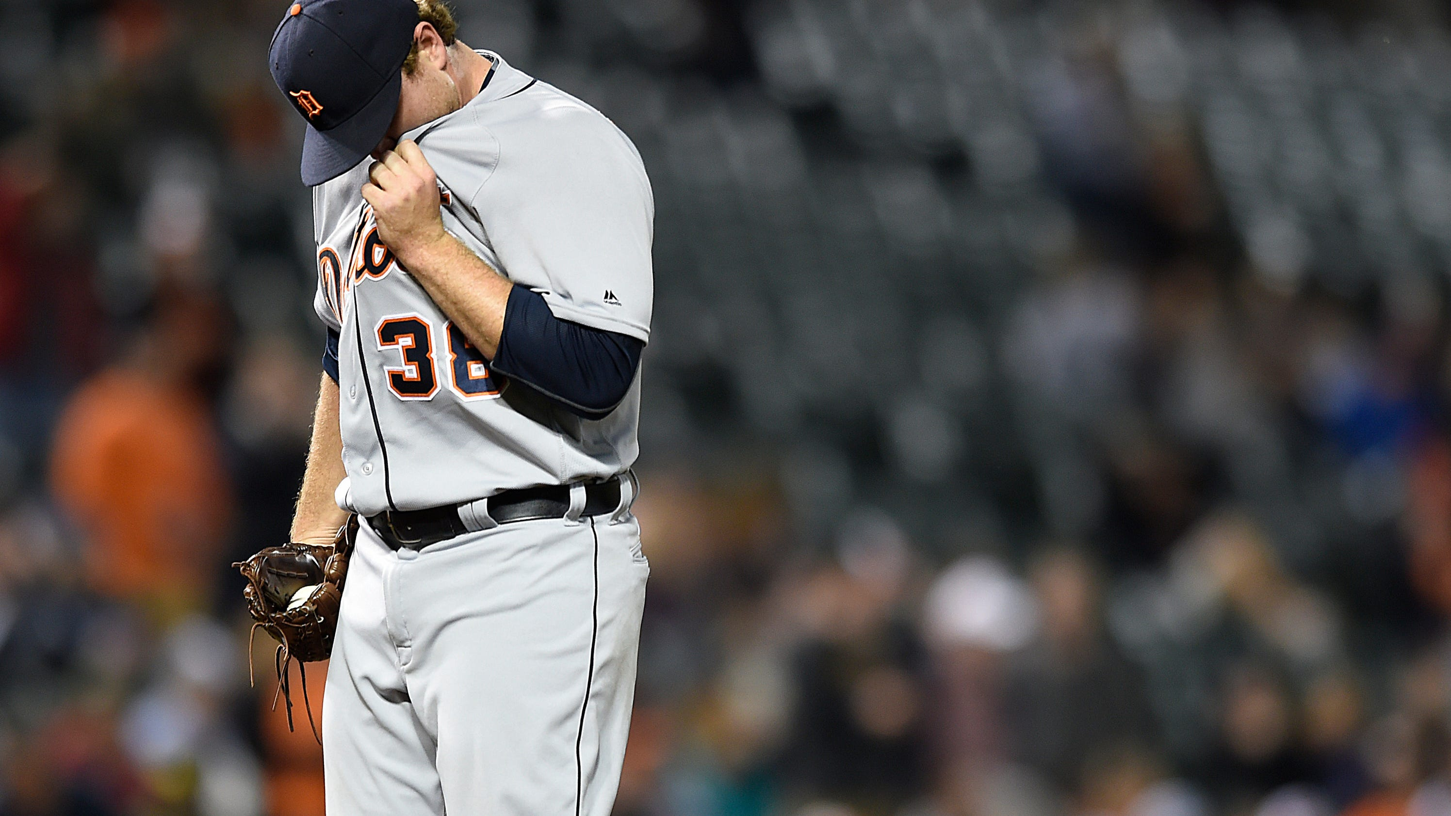 Tigers blow 5-run lead in 7-5 loss to Orioles
