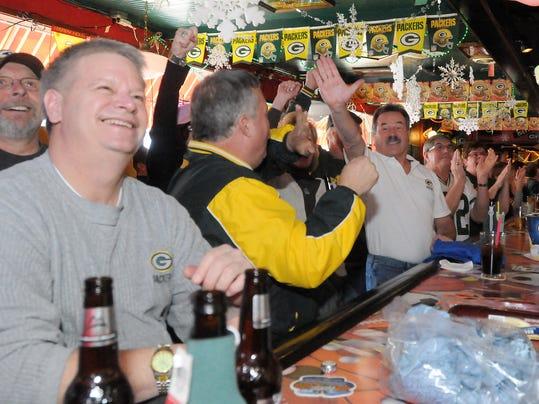 -012311_Packers&Bars_AJ_09.jpg_20110123.jpg