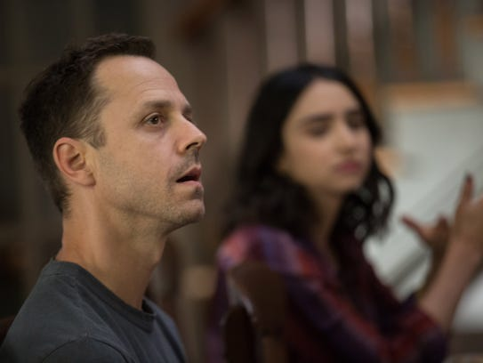 Marius (Giovanni Ribisi) and Carly (Libe Barer) have