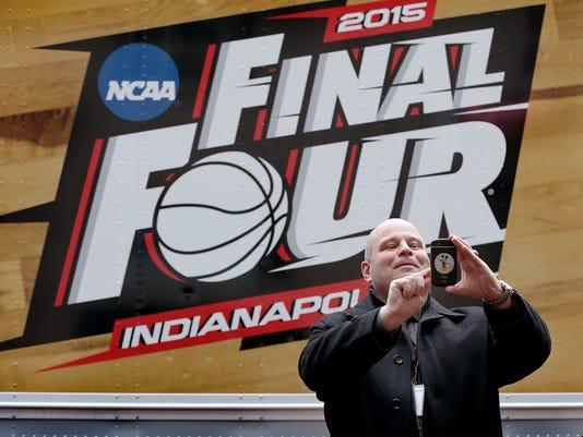 -3_NCAA_Court.jpg_20150326.jpg