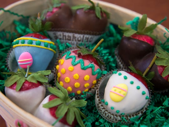 Dipped strawberries decorated as Easter eggs at Schakolad
