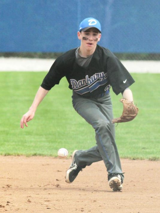 Sam Tyson - Fielding grounder.jpg