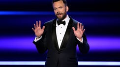 LOS ANGELES, CA - JANUARY 18:  Host Joel McHale speaks