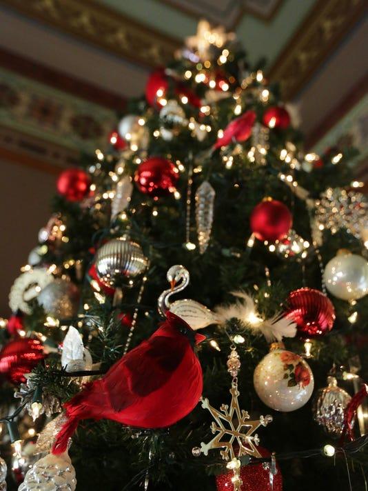 635848224135724573-APC-FYI-Victorian-Christmas-rbp039.jpg